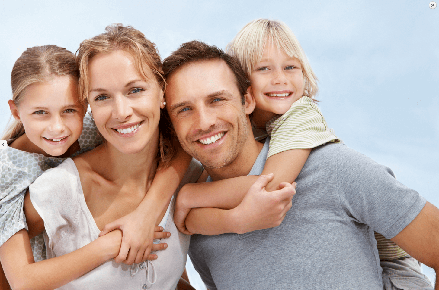 happy-family-in-de-nek